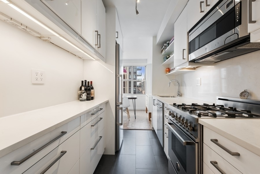 400 East 85th Street, New York, New York, New York, United States 10028, 1 Bedroom Bedrooms, ,1 BathroomBathrooms,Co-op,SOLD,East 85th Street,1115