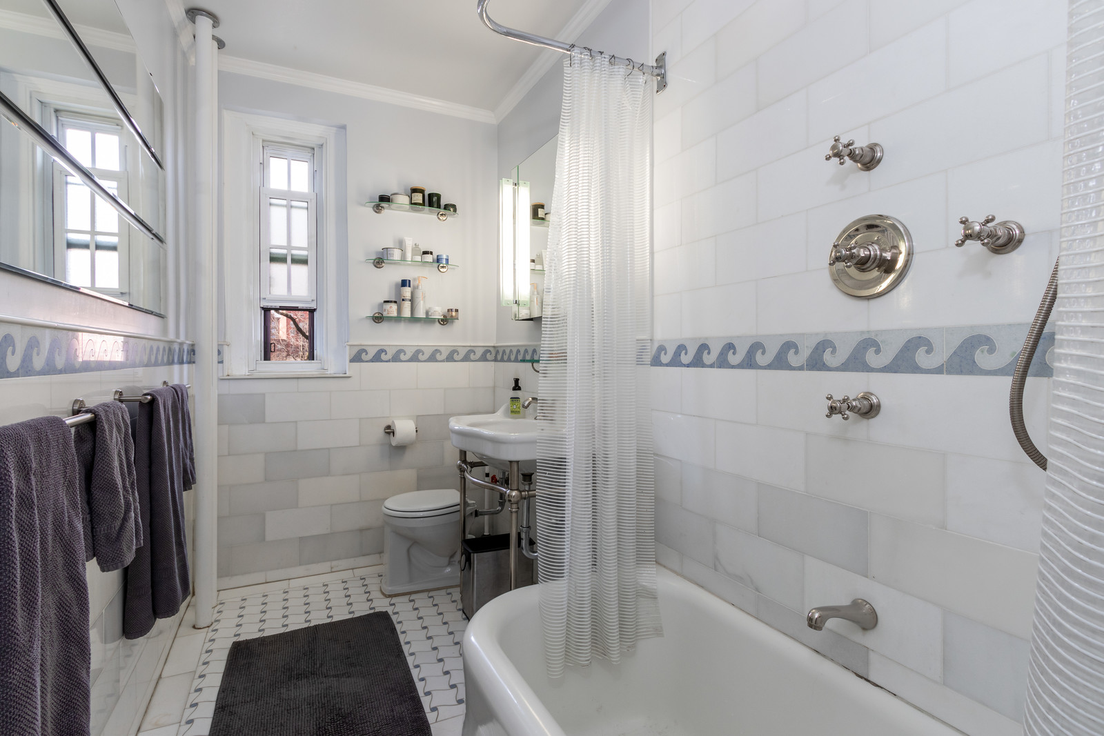 525 West 238th Street, New York, Bronx, New York, United States 10463, 2 Bedrooms Bedrooms, ,1 BathroomBathrooms,Co-op,FOR SALE,Fieldston Garden Apartments,West 238th Street,1119