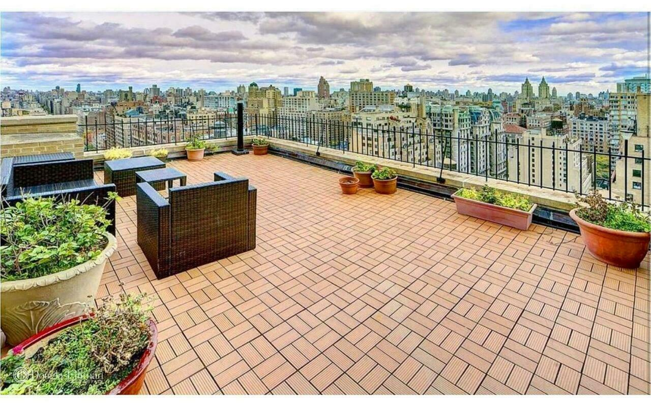 263 West End Avenue, New York, New York, New York, United States 10023, 2 Bedrooms Bedrooms, ,2 BathroomsBathrooms,Co-op,FOR SALE,Riverside Towers,West End Avenue,1124