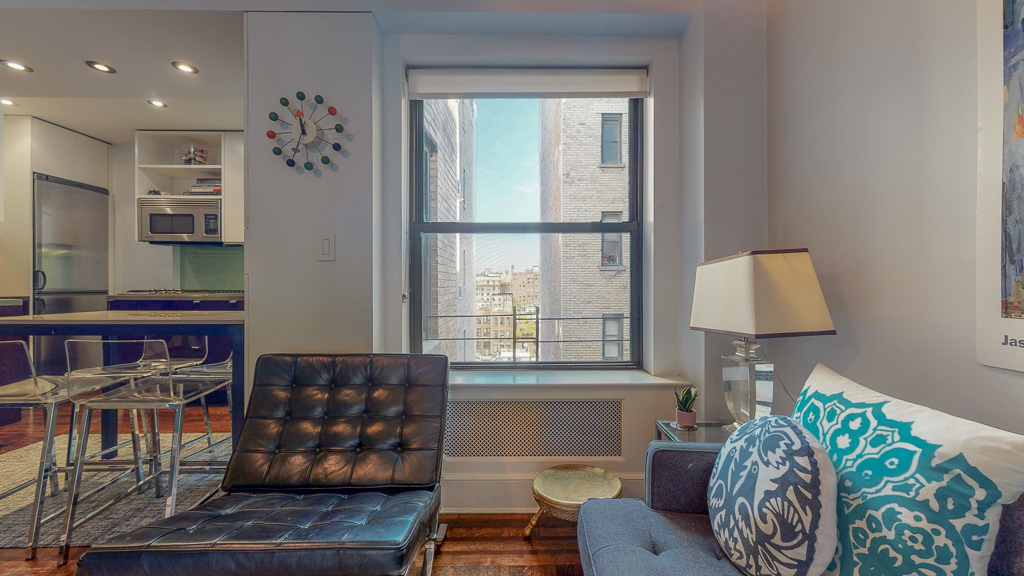 49 West 72nd Street, New York, New York, New York, United States 10023, 2 Bedrooms Bedrooms, ,2 BathroomsBathrooms,Co-op,Off Market,West 72nd Street,1135