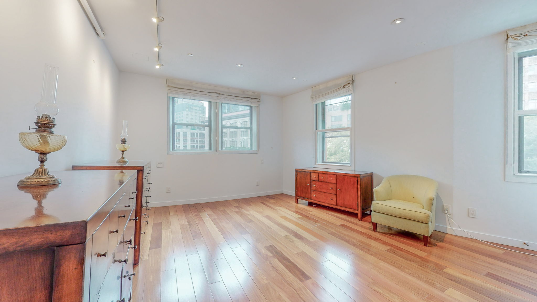 210 Spring Street, New York, New York, New York, United States 10011, 2 Bedrooms Bedrooms, ,2 BathroomsBathrooms,Apartment,For Rent,Spring Street,3,1137