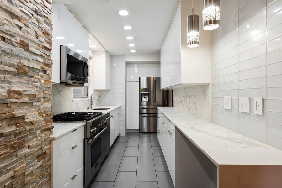 205 3rd Avenue, New York, New York, New York, United States 10003, 3 Bedrooms Bedrooms, ,2 BathroomsBathrooms,Co-op,Off Market,Gramercy Park Towers,3rd Avenue,1139