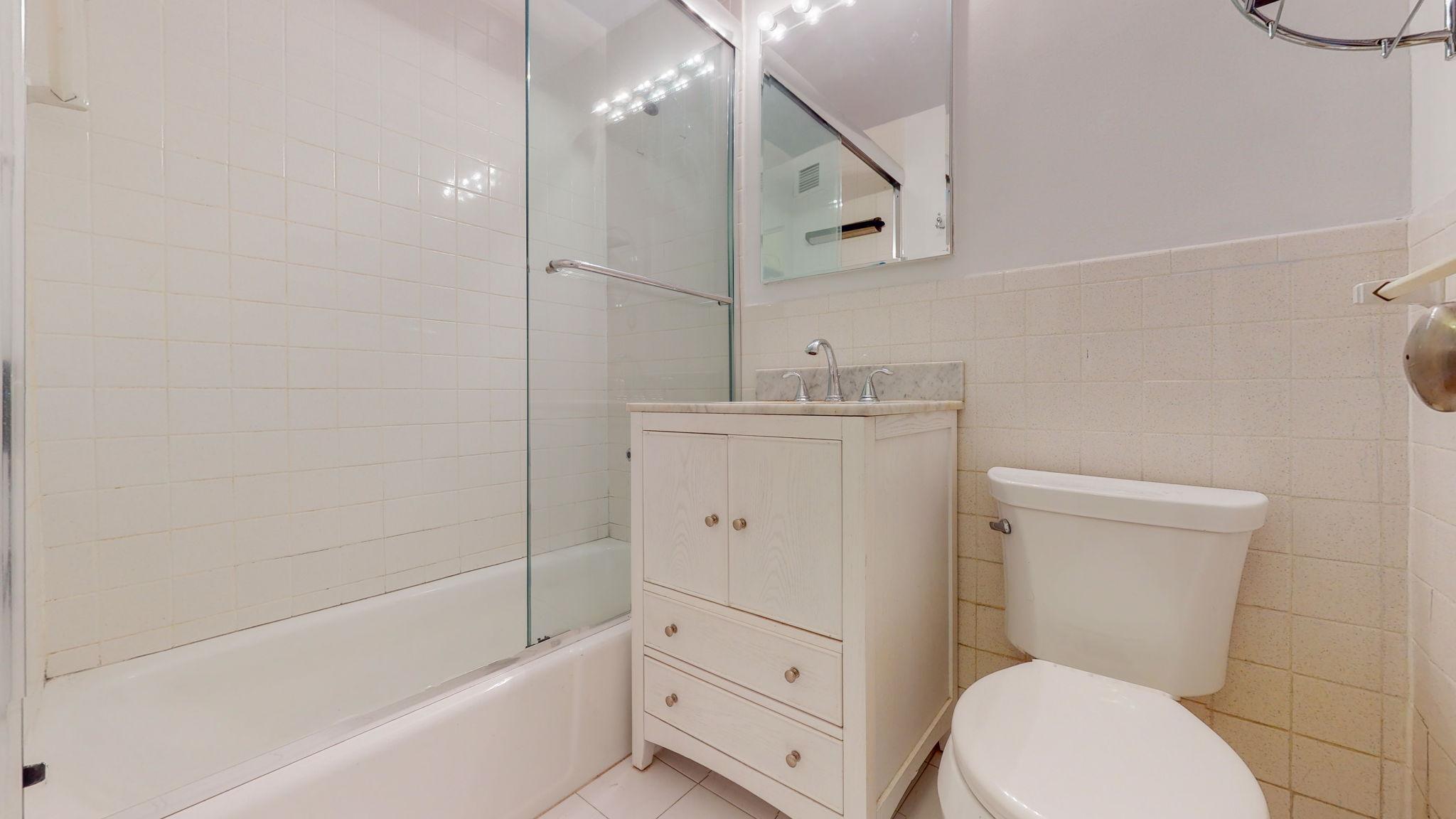 305 East 24th Street, New York, New York, New York, United States 10010, 1 Bedroom Bedrooms, ,1 BathroomBathrooms,Co-op,IN-CONTRACT,New York Towers,East 24th Street,1141