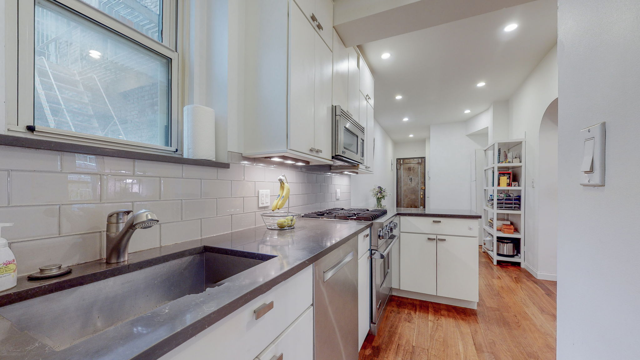 210 West 19th, New York, New York, New York, United States 10011, 1 Bedroom Bedrooms, ,1 BathroomBathrooms,Condo,Rented,West 19th,1146
