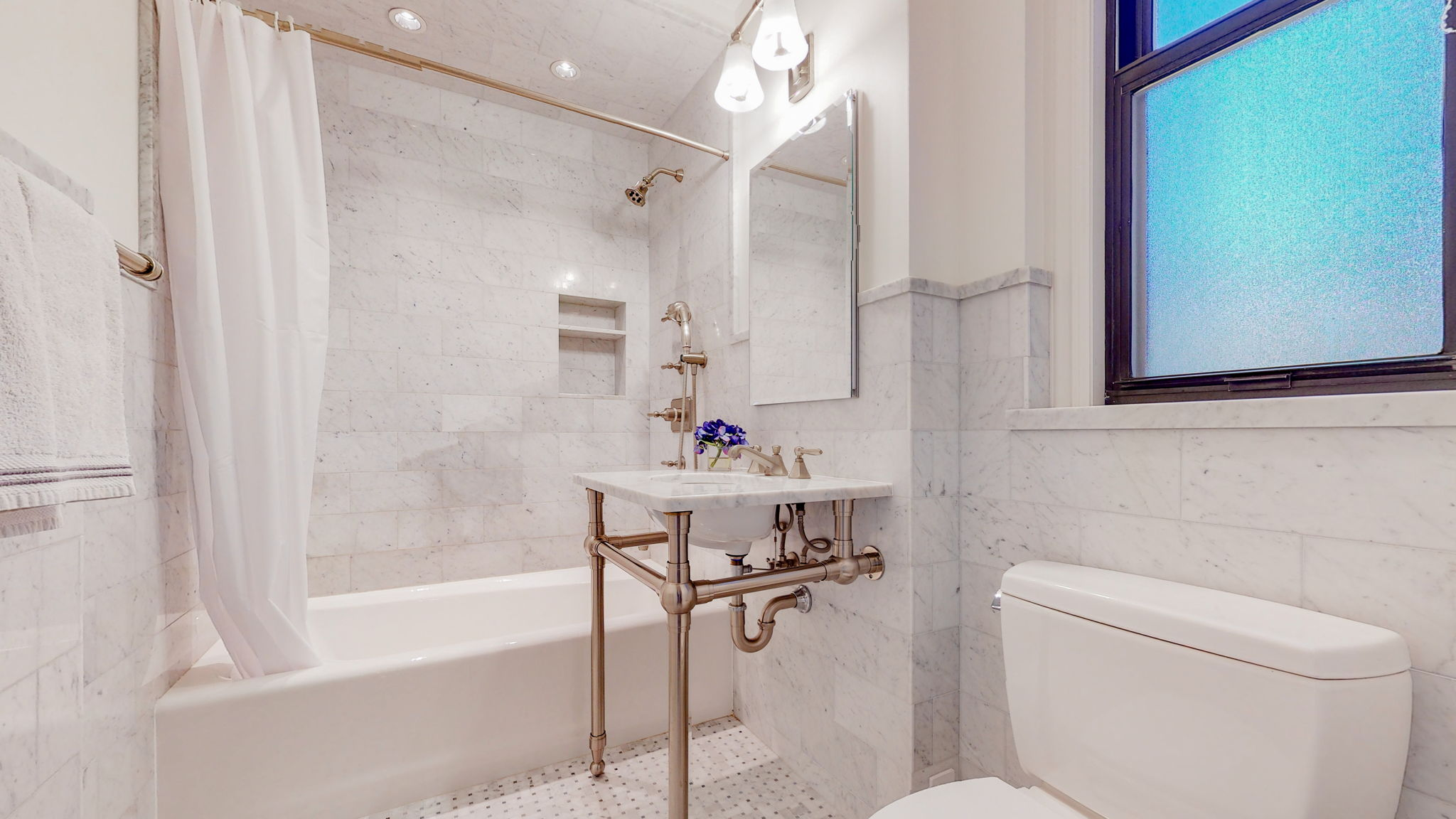 West 86th Street 107, New York, New York, New York, United States 10024, 2 Bedrooms Bedrooms, ,1.5 BathroomsBathrooms,Co-op,IN-CONTRACT,107 West 86,107,1154