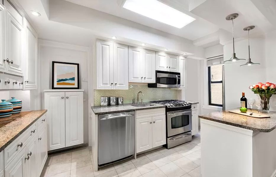 65 West 95th, New York, New York, New York, United States 10025, 2 Bedrooms Bedrooms, ,1 BathroomBathrooms,Co-op,FOR SALE,West 95th,4,1170