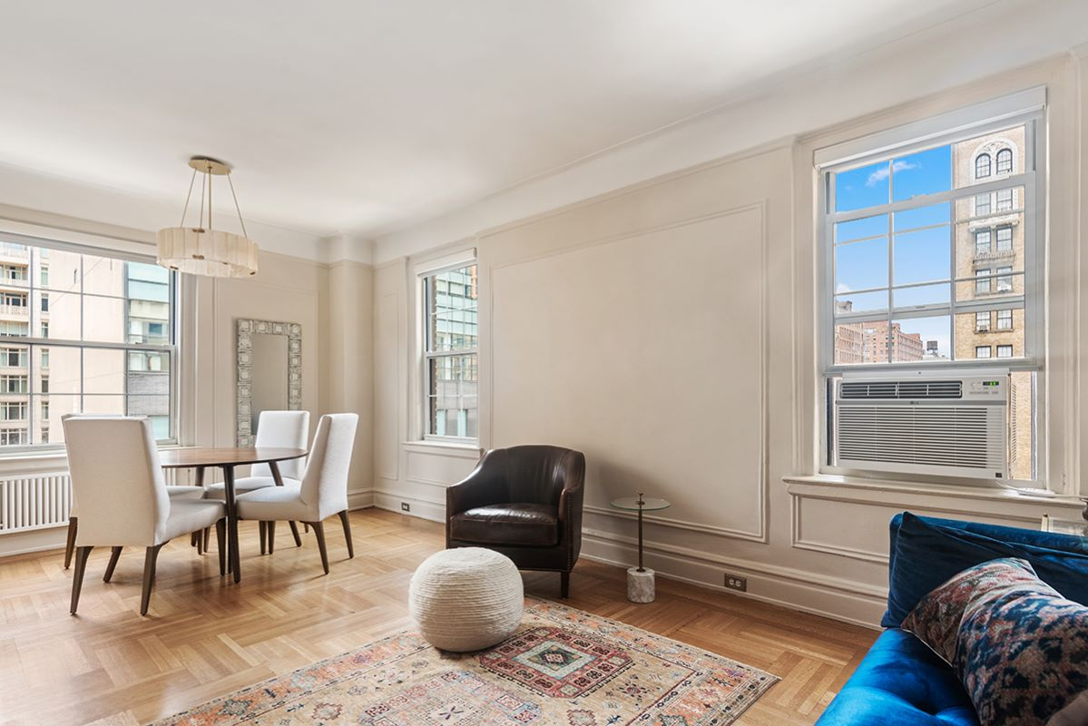 161 West 75th, New York, NY, New York, United States 10023, 2 Bedrooms Bedrooms, ,1 BathroomBathrooms,Co-op,FOR SALE, West 75th,2,1172