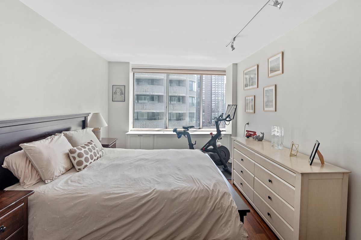 61 West 62nd, New York, NY, New York, United States 10023, 2 Bedrooms Bedrooms, ,2 BathroomsBathrooms,Co-op,FOR SALE, West 62nd,2,1173