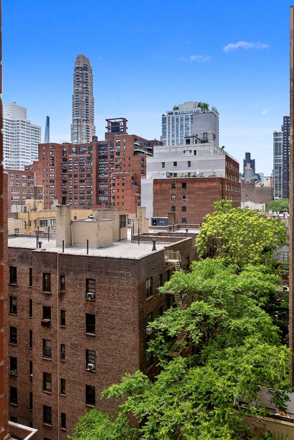 360 East 72nd Street, New York, New York, New York, United States 10021, 2 Bedrooms Bedrooms, ,2 BathroomsBathrooms,Co-op,IN-CONTRACT,East 72nd Street,1177