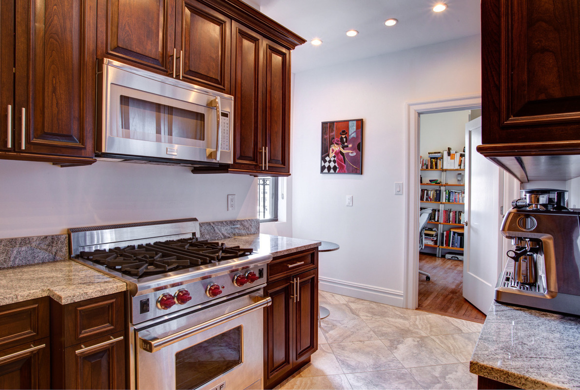 215 West 90th Street,NY,New York,United States,3 Bedrooms Bedrooms,2.5 BathroomsBathrooms,Condo,West 90th Street,1016