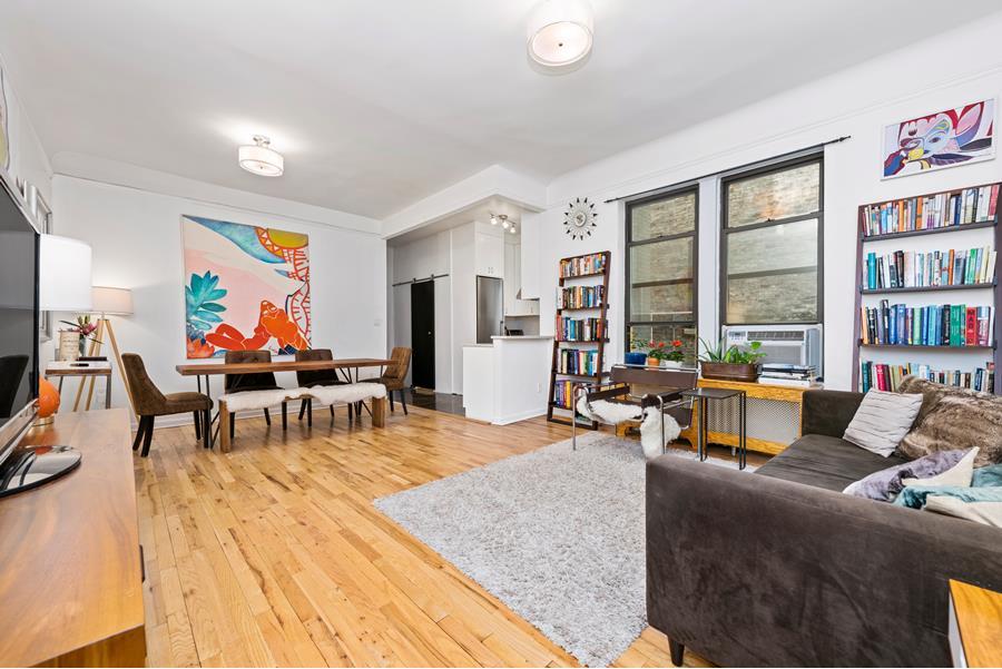 323 West 83rd Street,New York,New York,New York,United States 10024,2 Bedrooms Bedrooms,1 BathroomBathrooms,Co-op,West 83rd Street,1061