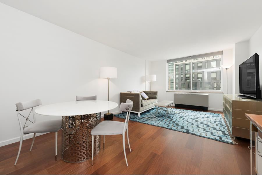 275 Greenwich Street, New York, United States, 1 Bedroom Bedrooms, ,1 BathroomBathrooms,Condo,Rented,Greenwich Court,Greenwich Street,1062