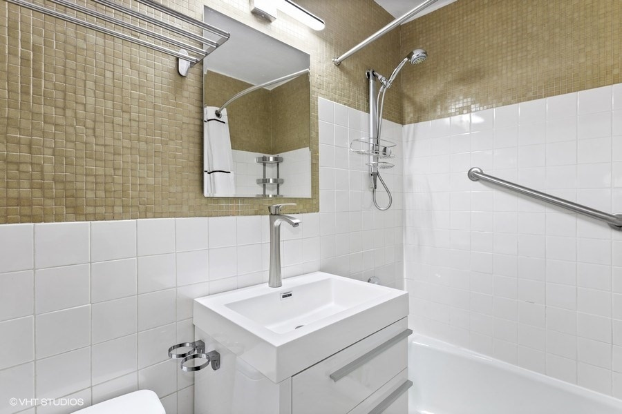 West End 140, New York, New York, New York, United States 10023, 1 Bedroom Bedrooms, ,1 BathroomBathrooms,Co-op,Off Market,140 West End Avenue,140,1075